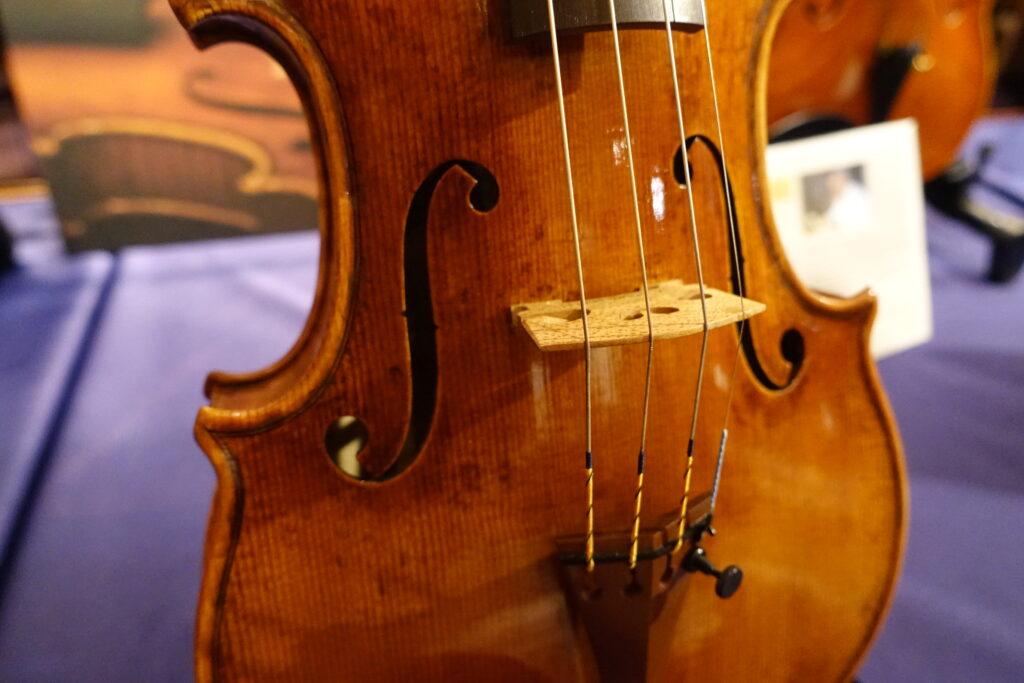イタリアクレモナ新作ヴァイオリン